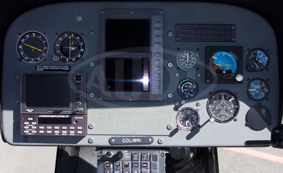 COLIBRI EC120B - Cabine dos Pilotos