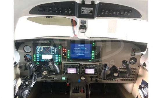 PIPER MALIBU MATRIX - Cabine dos Pilotos
