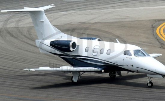EMBRAER PHENOM 100 - Vista Lateral
